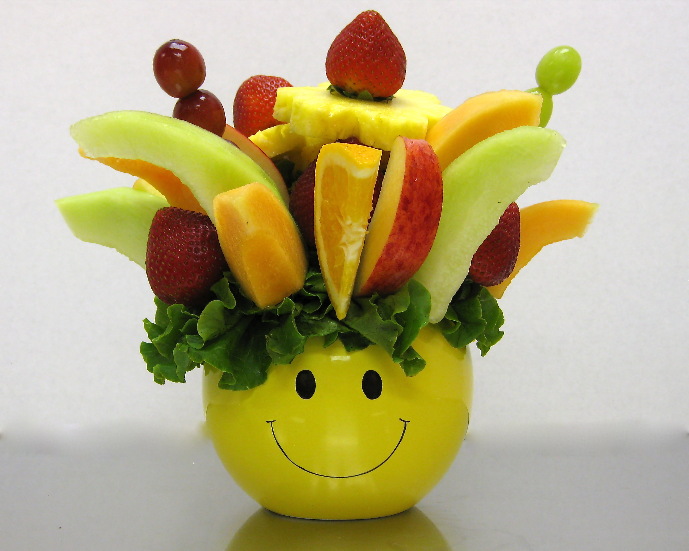 how to make your own edible fruit arrangement
