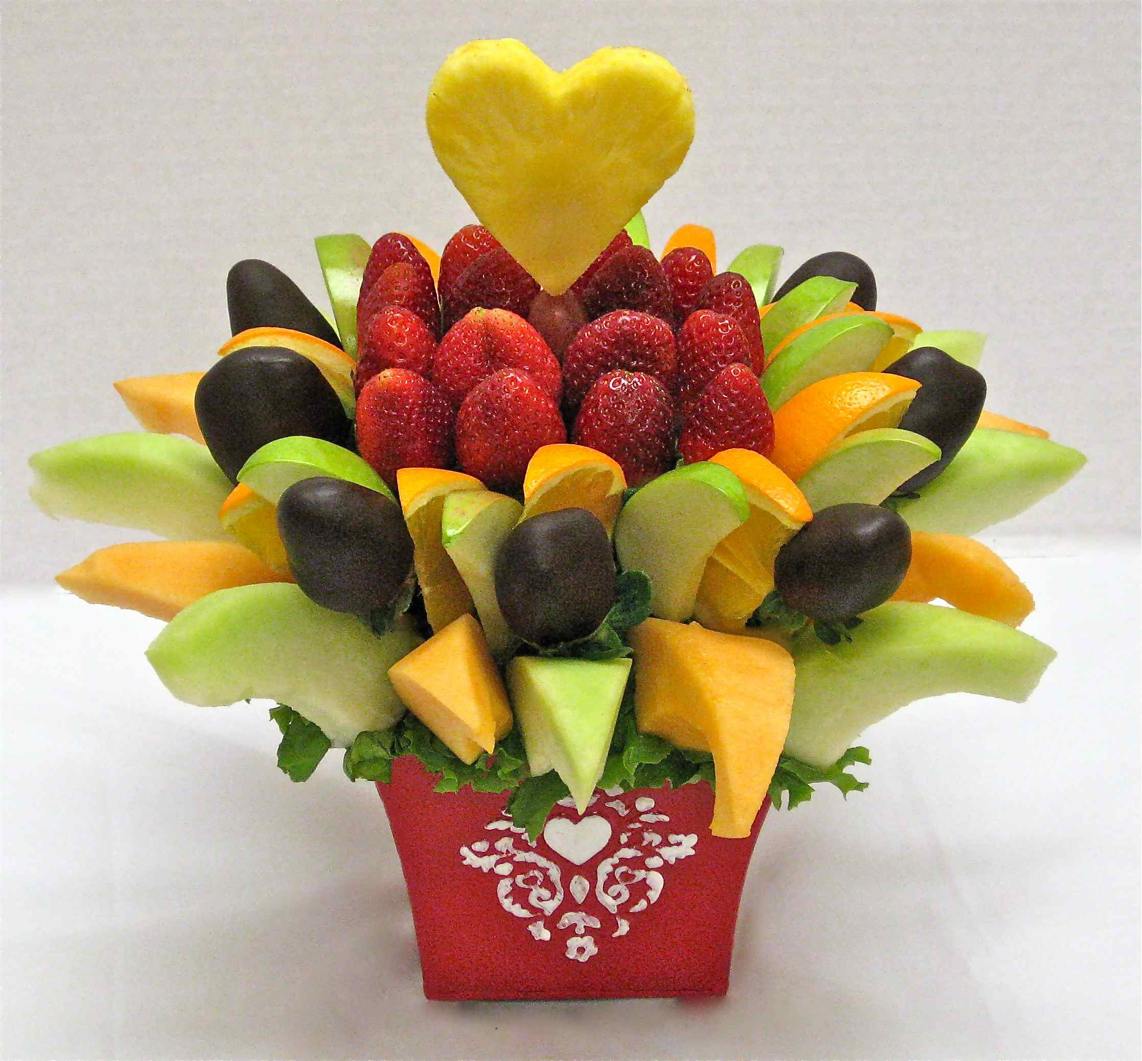 How to make a DO IT YOURSELF edible fruit arrangement!! | crazeedaisee